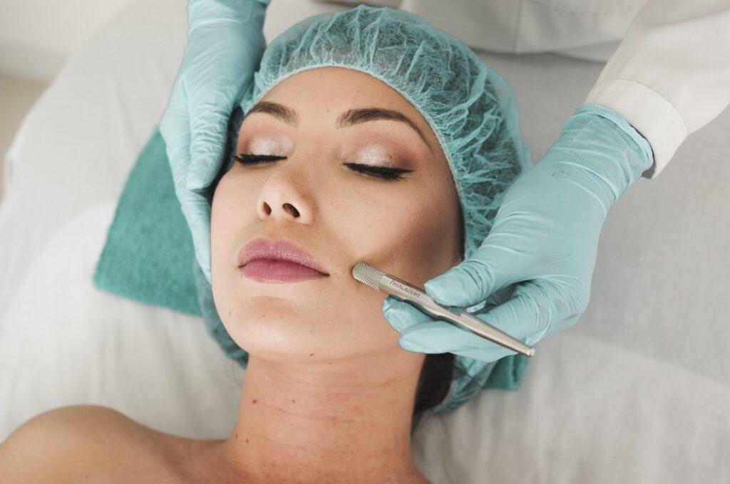 Chirurgia plastyczna i wszystko, co trzeba wiedzieć na jej temat